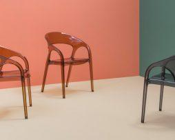 plasticni stoli