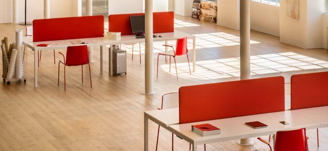 plasticni stoli_gostinski stoli_jedilni stoli