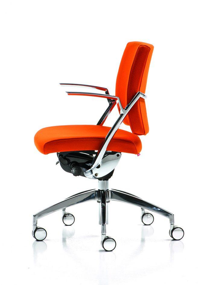 pisarniški stoli_stoli_stoli_oblazinjeni stoli_pisarniško pohištvo_usnjeni stoli_elegantni stoli_vrtljivi stoli_OMP