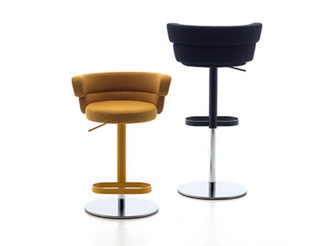 barski-stol_dam_debi_showroom