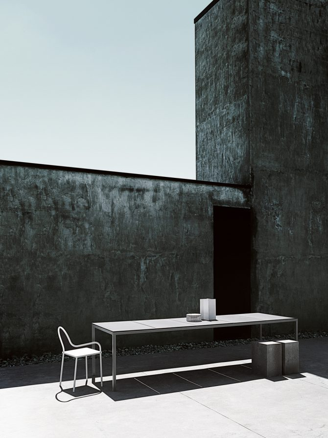 stol_softer-than-steel_desalto_showroom_2