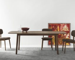 miza-cream-table_calligaris_showroom_1